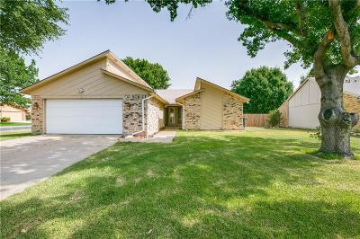 Fort Worth Single Family Home For Sale: 3901 Windflower Lane
