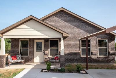 Granbury Single Family Home For Sale: 2302 San Saba Court
