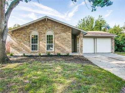 Arlington Single Family Home For Sale: 422 Stonecreek Drive