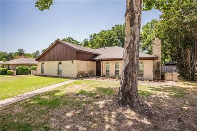 Grand Prairie Single Family Home For Sale: 2421 Sherwood Drive