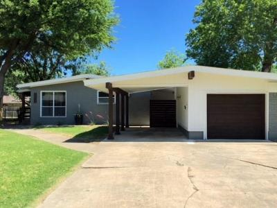 Dallas Single Family Home For Sale: 7212 Edgerton