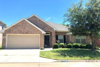 Arlington Single Family Home For Sale: 2506 Foxpoint Trail