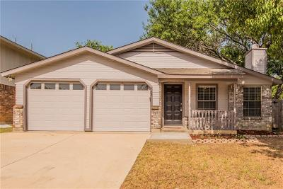 Arlington Single Family Home For Sale: 725 Cornfield Drive