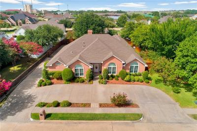 Waxahachie Single Family Home For Sale: 104 Mustang Creek Drive