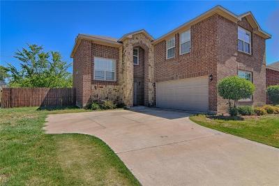 Arlington Single Family Home For Sale: 2301 Saffron Lane