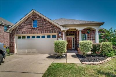 Waxahachie Single Family Home For Sale: 215 Bison Meadow Drive