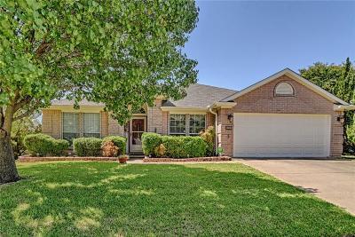 Arlington Single Family Home For Sale: 308 Crestview Drive