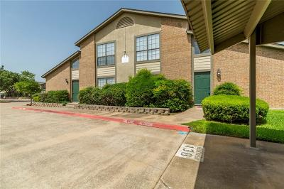 Hurst, Euless, Bedford Townhouse For Sale: 330 W Harwood Road #D