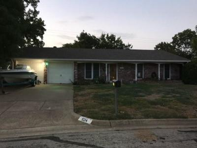 White Settlement Single Family Home Active Option Contract: 524 Branch Circle E