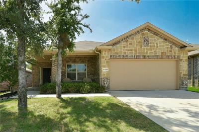 Azle Single Family Home For Sale: 1112 Edgewater Drive