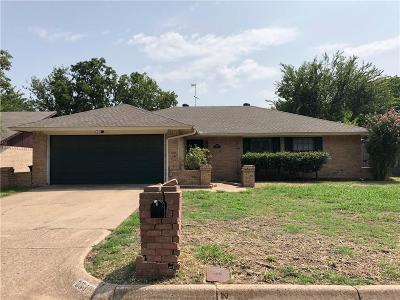 Fort Worth Single Family Home For Sale: 6940 Loma Vista Drive