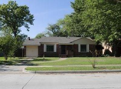 Dallas Single Family Home For Sale: 3845 Hawick Lane