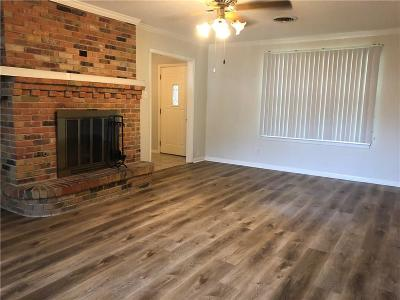 Cedar Hill Residential Lease For Lease: 913 Harrington Drive