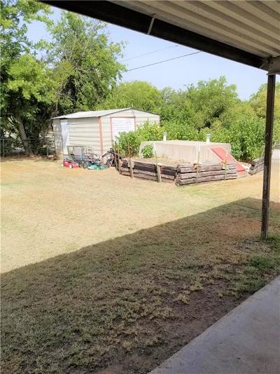 Whitney TX Single Family Home For Sale: $130,000