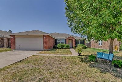 Burleson Single Family Home For Sale: 1423 Paint Brush Court