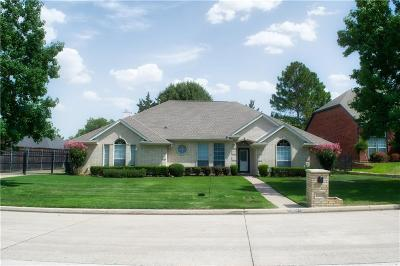 Mansfield Single Family Home For Sale: 2604 Woodbridge Trail