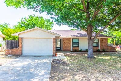 Haltom City Single Family Home For Sale: 5432 Parkview Drive