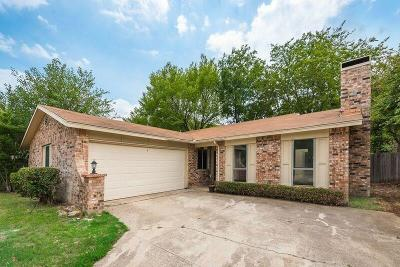 Bedford Single Family Home For Sale: 3201 Willow Bend