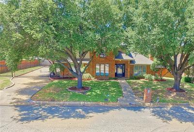Arlington Single Family Home For Sale: 1900 Thames Drive