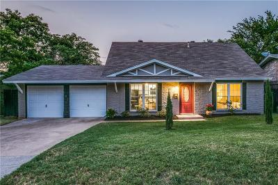 Tarrant County Single Family Home For Sale: 702 Shelmar Drive