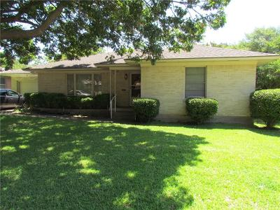 Dallas County Single Family Home For Sale: 1928 Oldgate Lane