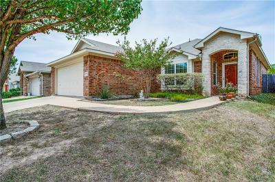 Euless Single Family Home For Sale: 804 Chrissy Creek Lane