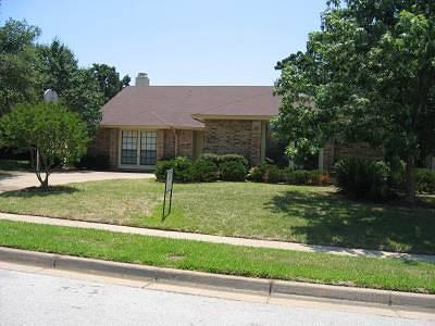 Euless Residential Lease For Lease: 207 Westover Drive