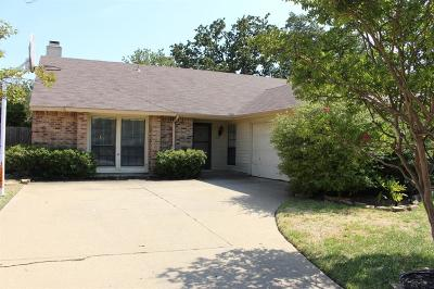 Euless Single Family Home For Sale: 207 Westover Drive