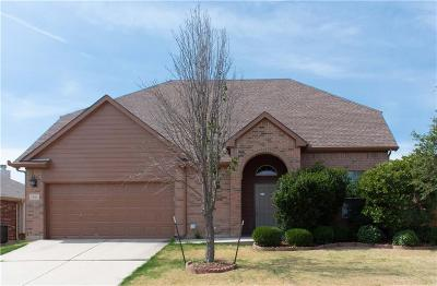 Justin Single Family Home For Sale: 456 Chisholm Trail
