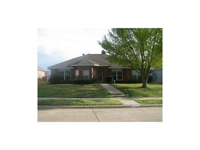 Allen Single Family Home Active Contingent: 1002 Edison Lane