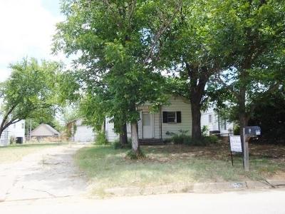 Graham Single Family Home For Sale: 807 Carolina