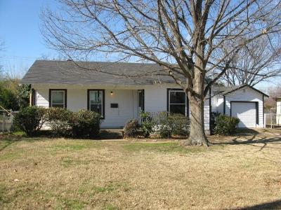 Grapevine Residential Lease For Lease: 1126 S Pine Street