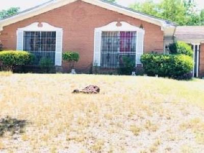 Dallas Single Family Home For Sale: 2710 Magna Vista Drive
