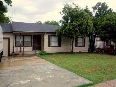 Arlington Single Family Home For Sale: 1622 Carswell Terrace