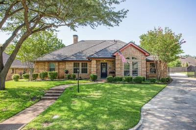 Hurst Single Family Home For Sale: 517 Sunset Drive