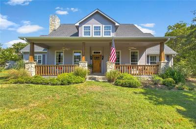 Granbury Single Family Home For Sale: 4726 Rawhide Court
