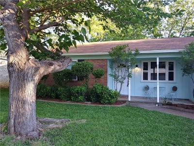 Arlington Single Family Home For Sale: 1908 Juanita Drive