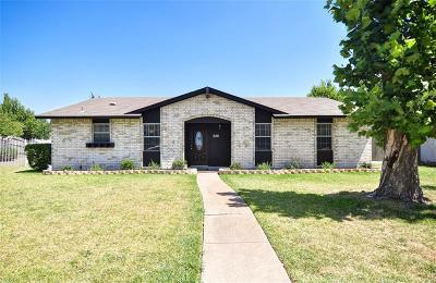 Garland Single Family Home For Sale: 626 Colonial Drive