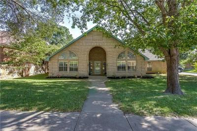 Benbrook Single Family Home Active Kick Out: 10012 Wandering Way Street