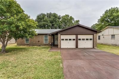 Watauga Single Family Home For Sale: 5828 Rosalyn Drive