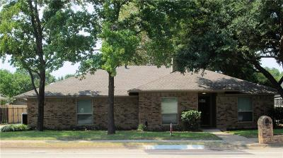 Denton Single Family Home For Sale: 2308 E Windsor Drive