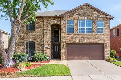 Haltom City Single Family Home For Sale: 3953 Larkspur Drive
