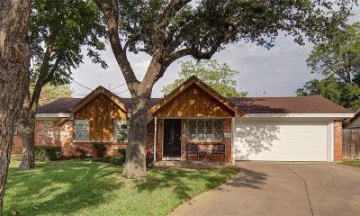 White Settlement Single Family Home For Sale: 833 Saddle Road