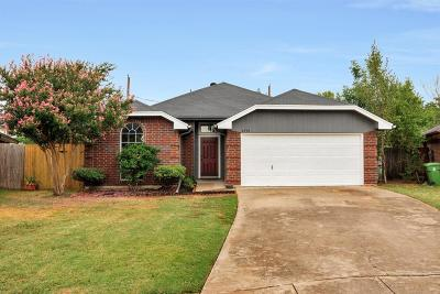 North Richland Hills Single Family Home For Sale: 6930 Crystal Lane