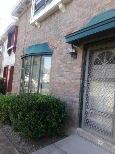 Grand Prairie Townhouse Active Option Contract: 23 W Mountain Lane
