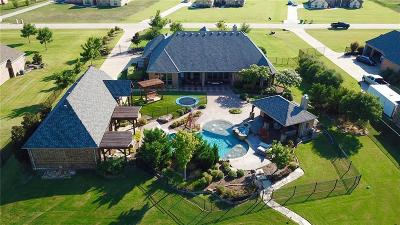 Terrell Single Family Home For Sale: 1221 E Secretariat Drive