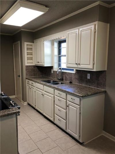 Sherman Single Family Home For Sale: 2207 E Alma Avenue
