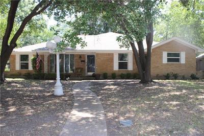 Grand Prairie Single Family Home For Sale: 1706 Surrey Circle