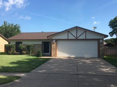 Saginaw Single Family Home For Sale: 616 Normandy Lane