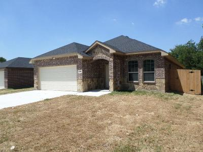Grand Prairie Single Family Home For Sale: 409 NE 13th Street